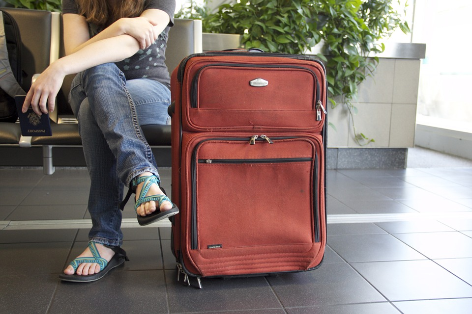 Sturdy suitcase for new college students
